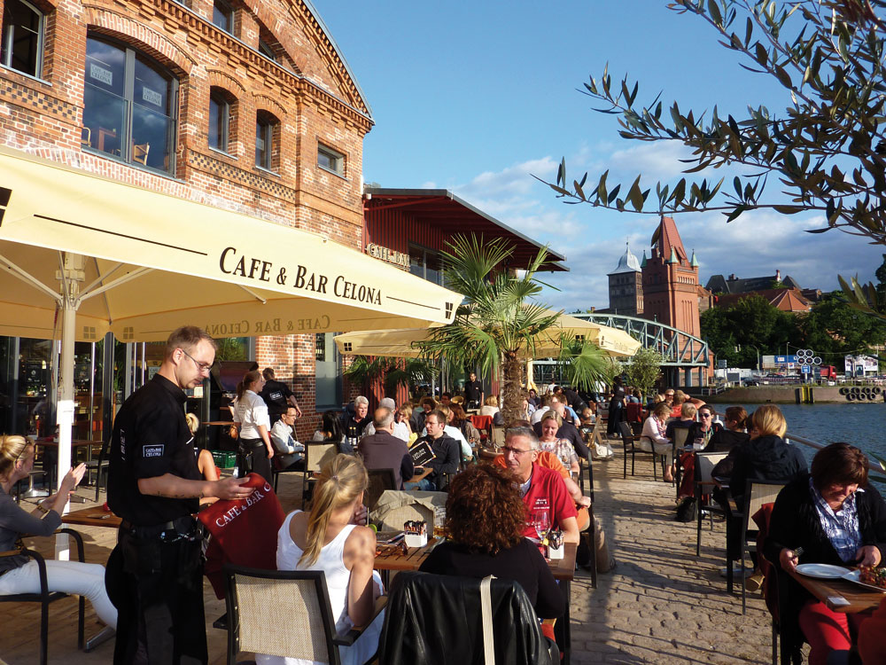 Cafe Und Bar Celona Lübeck