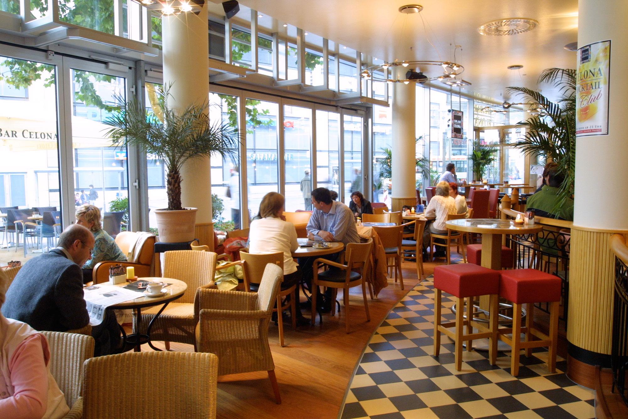 Cafe Und Bar Celona LГјbeck