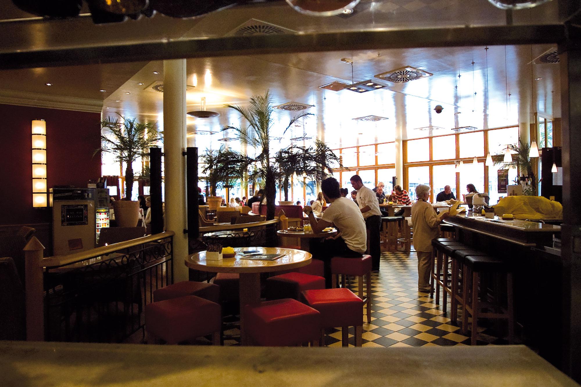 Wohnzimmer Bremen Ffnungszeiten Cafe Bar Celona Wolfsburg